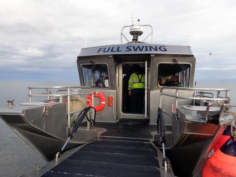Full Swing har plats för 20 passagerare till isbrytaren Oden.