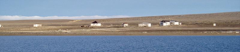 Bild av Kinnvika forskningsstation från MS Farm, september 2005. Foto: Veijo Pohjola.