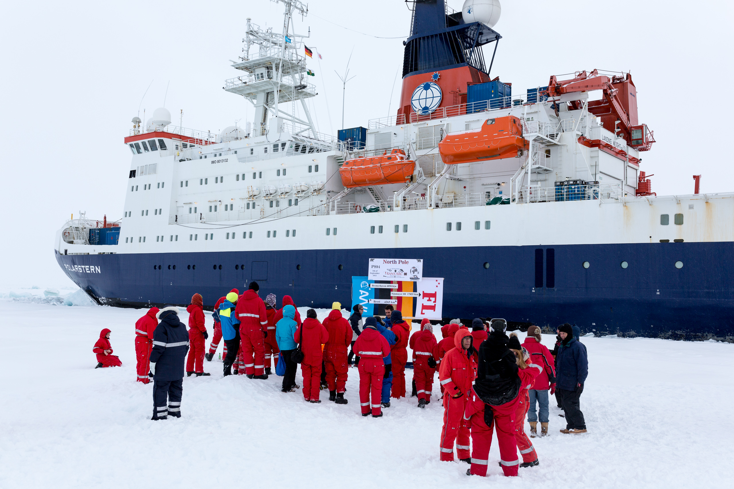 Polarstern on 7th September 2015 at the geographic  North Pole. Photo: Sandra Gdaniec