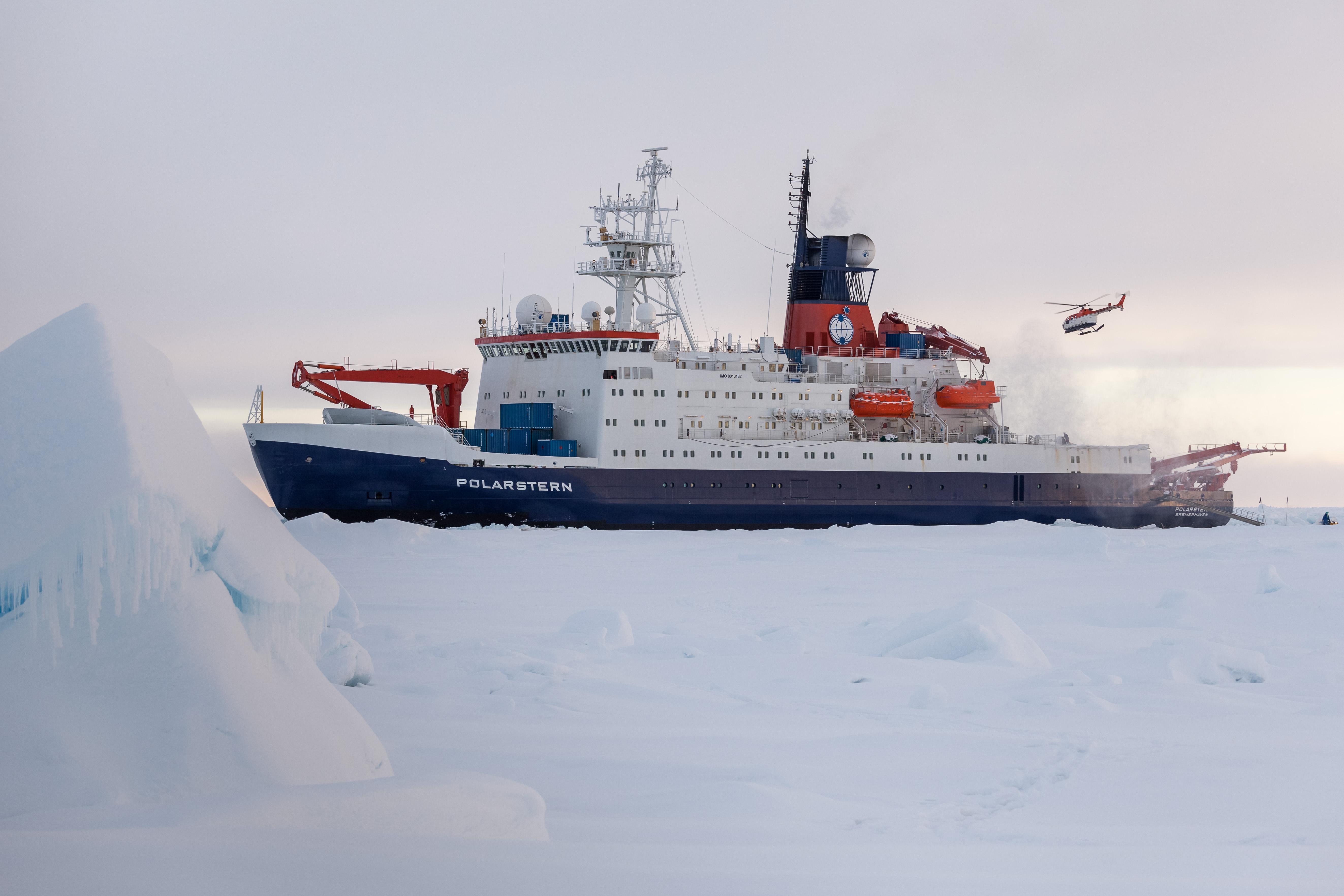Preparing for sea ice station. Photo: Mario Hoppmann, AWI