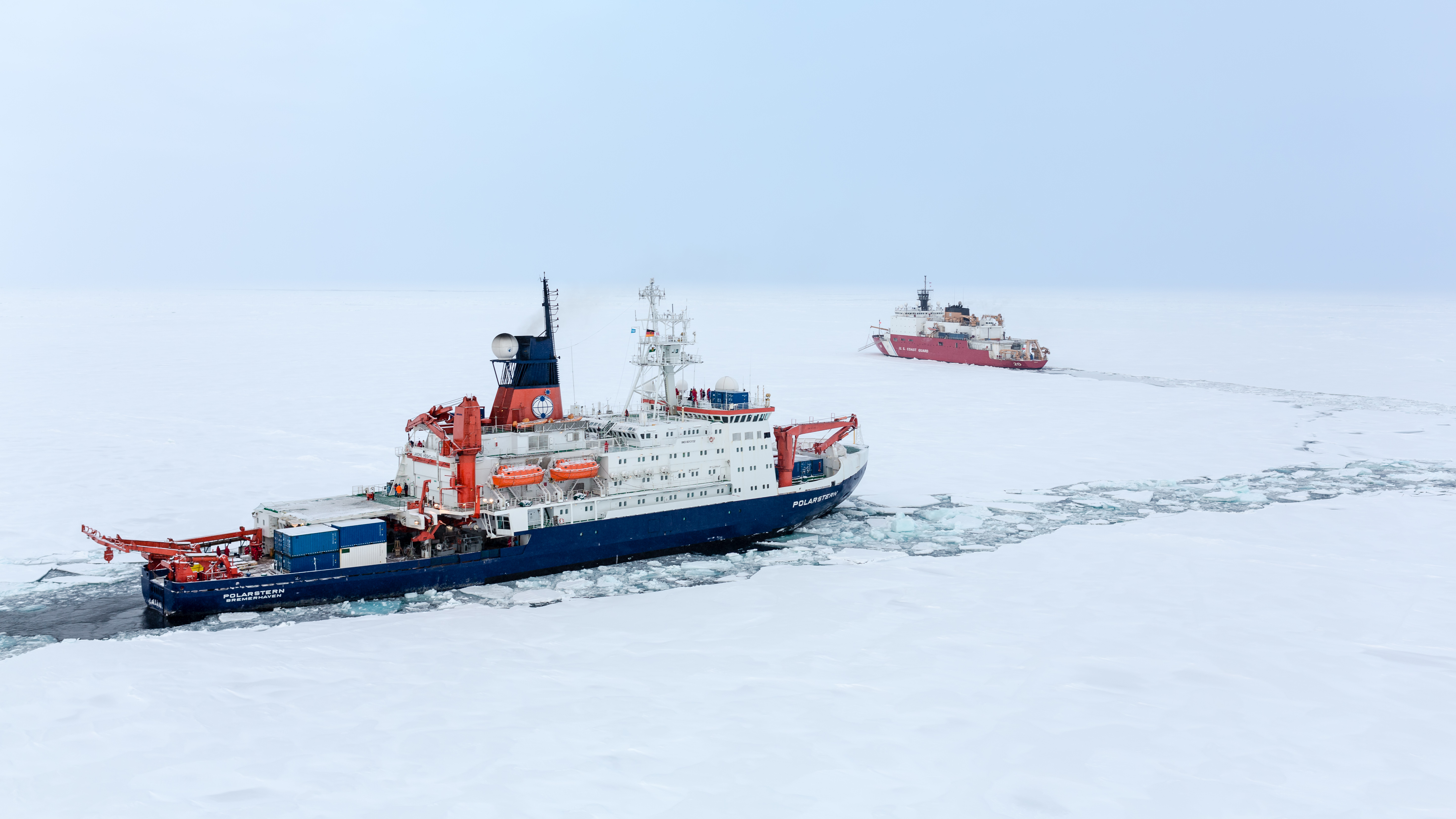 Historic crossover meeting of USCGC Healy and RV Polarstern at the North Pole, 7 September 2015. Photo: Stefan Hendricks, AWI