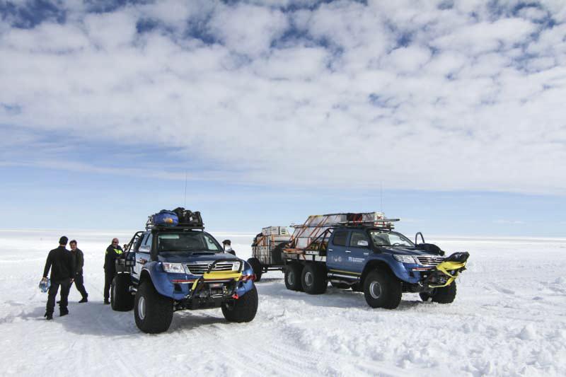 Bilar på isen