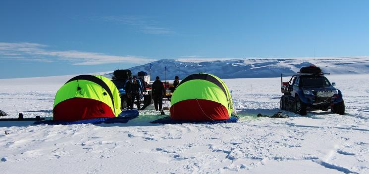 Fältcamp på isvidden. Foto: Karin Winarve
