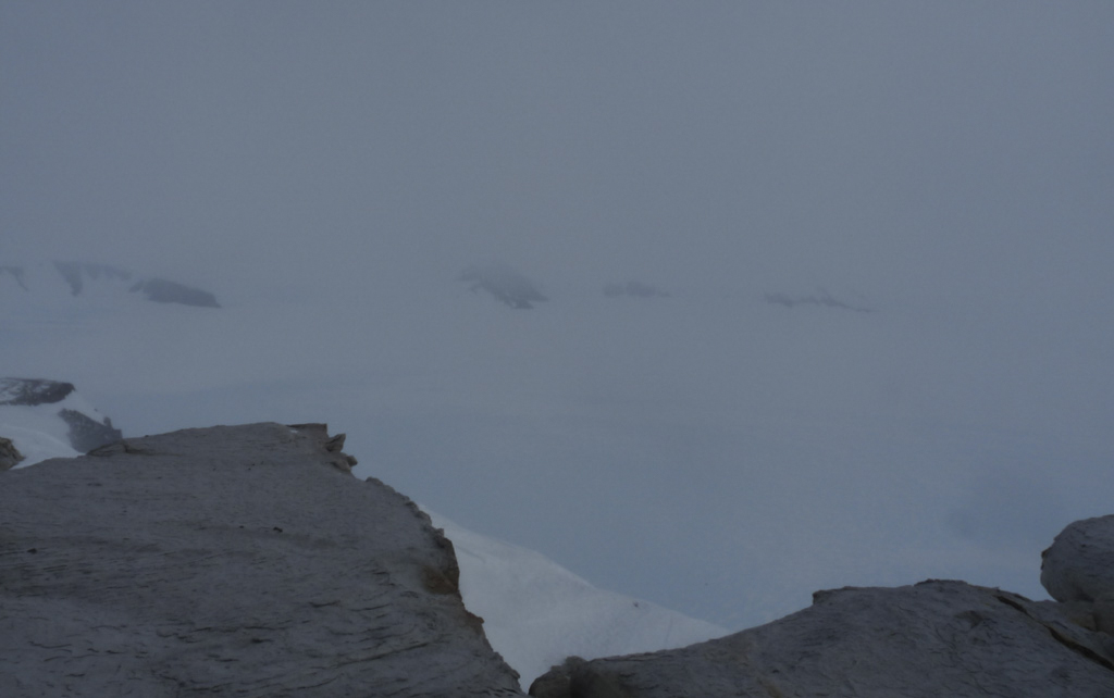 På toppen av nunataken Schivestolen i Antarktis