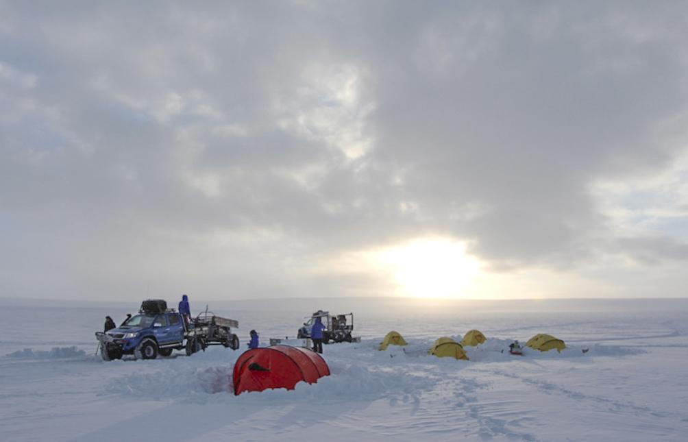 Fältläger på den antarktiska platån