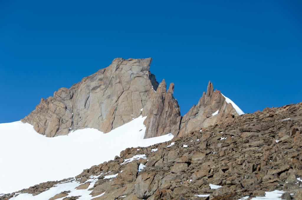 Highest peak of Johnsonhogna, 2221 m
