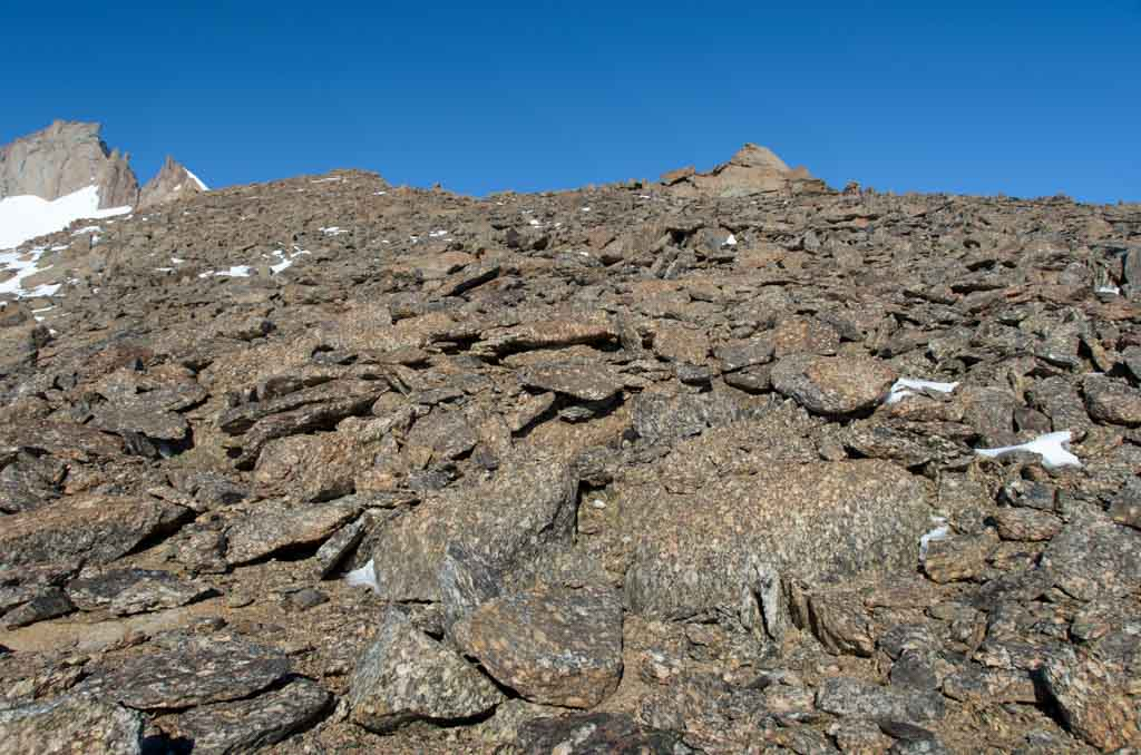 Blocks of shattered bedrock covering a ridge on Johnsonhogna. Photo: Nat Lifton