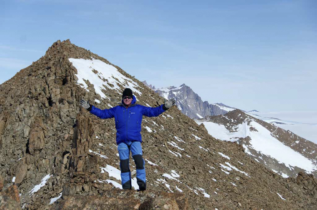 Man on Månesigden Ridge, Antarctic