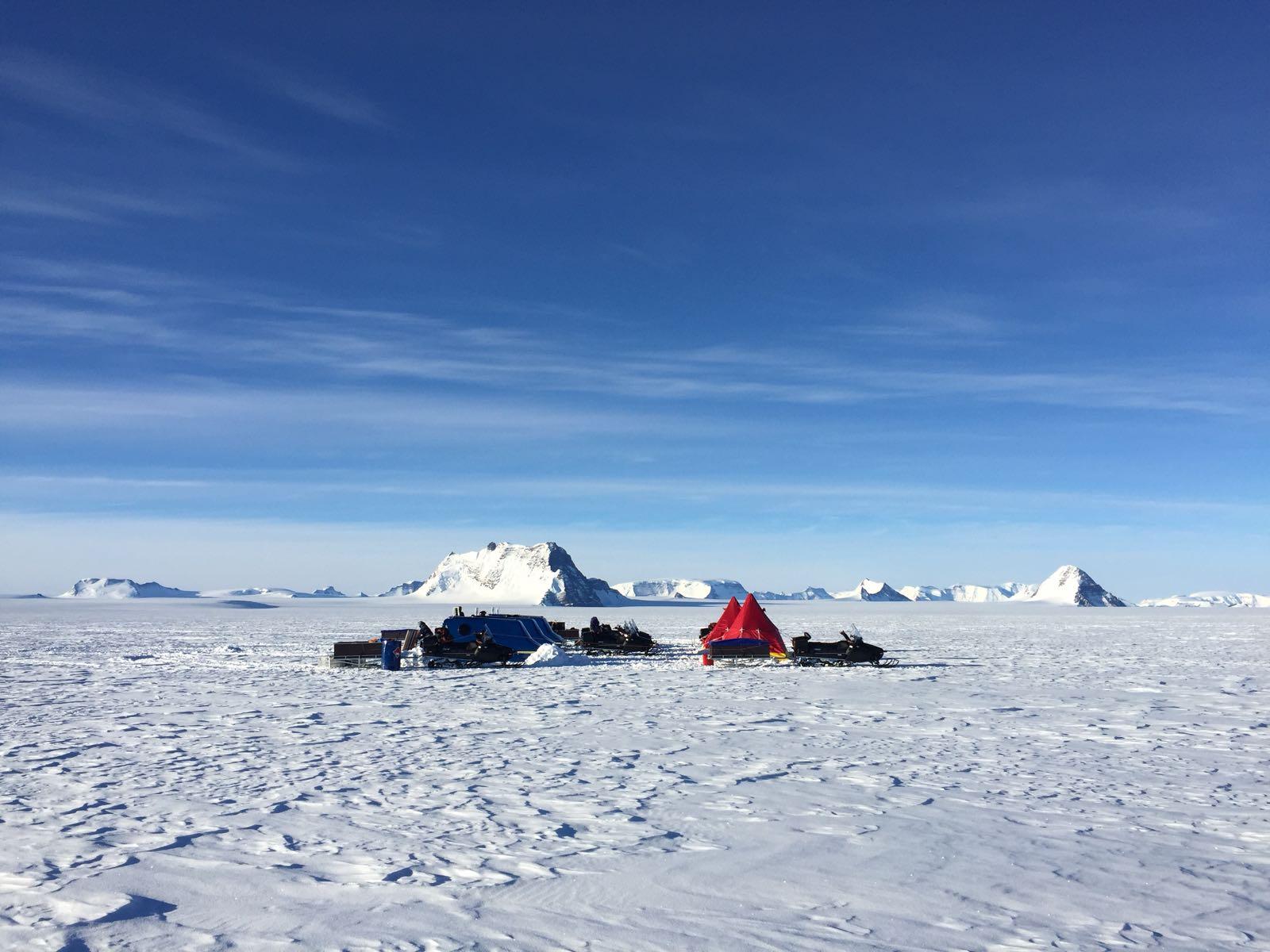Forskarnas läger på isen