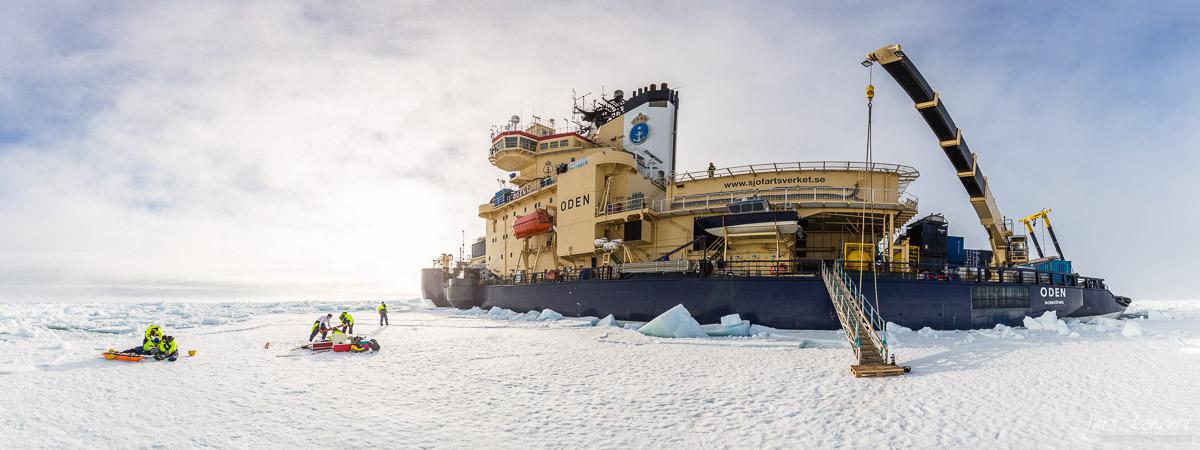 Arbete på isen bredvid Oden