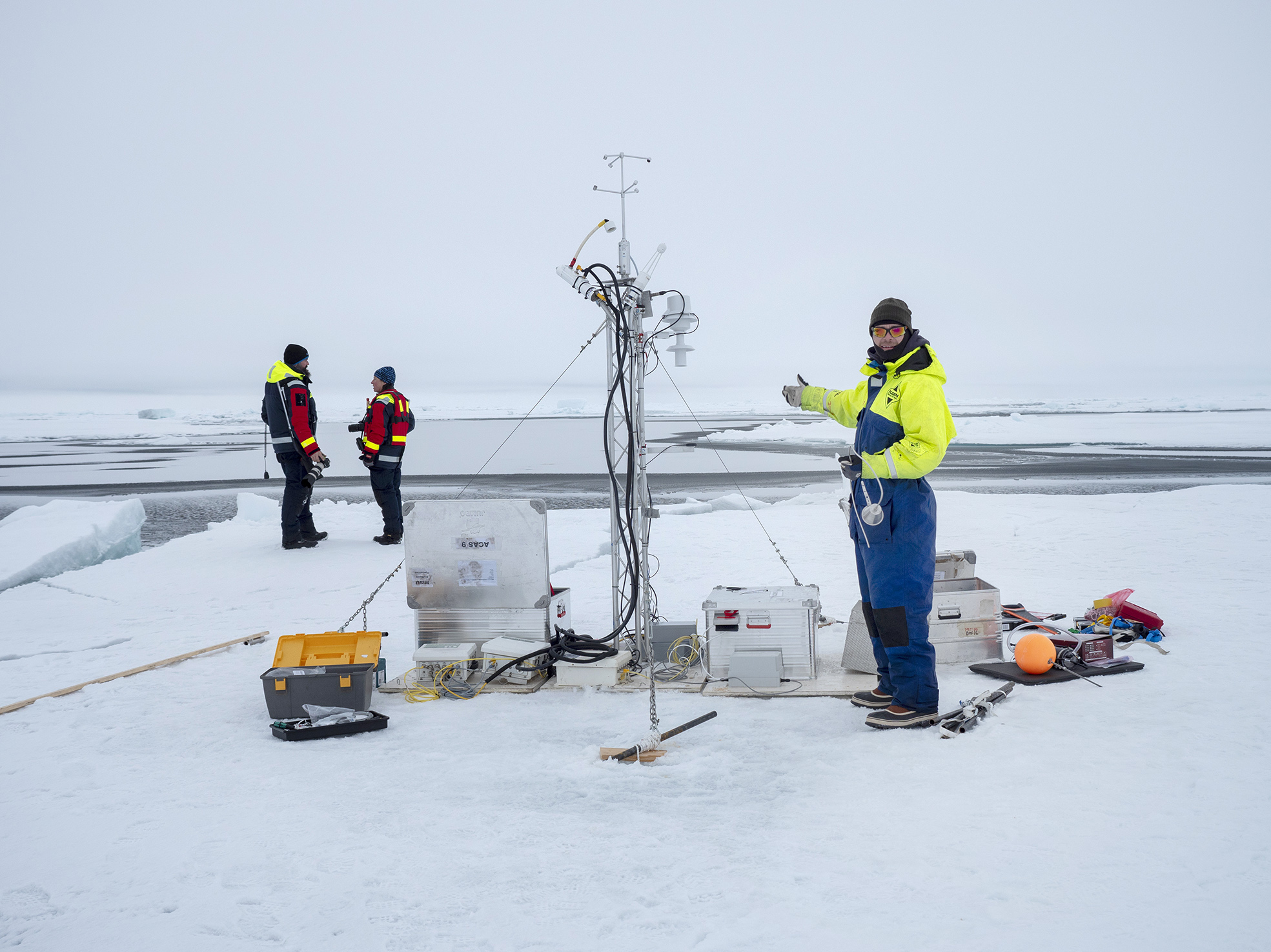 Observations of possible particles emissions, including the sugar molecules, from the open lead. The observations were performed with Eddy-covariance particle flux technique. Photo: Karin Alfredsson