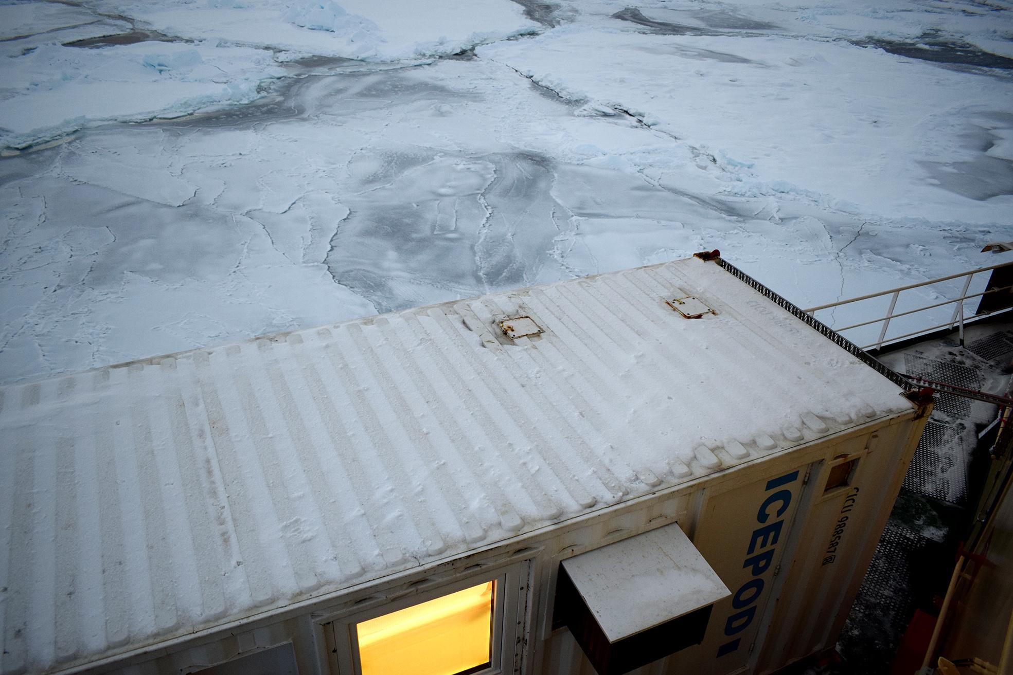 I containerlaboratoriet analyserades proverna. Foto: Grace Porter